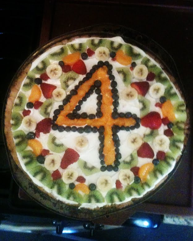 Messy Mom's Fruit Pizza Specialty