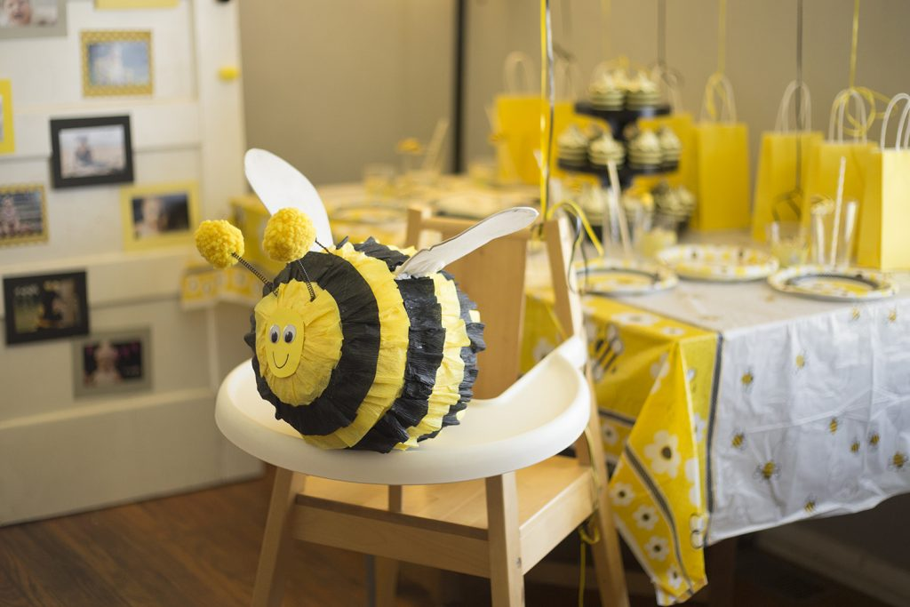 diy bumble bee piñata