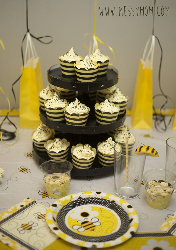 bumble-bee-party-cupcakes